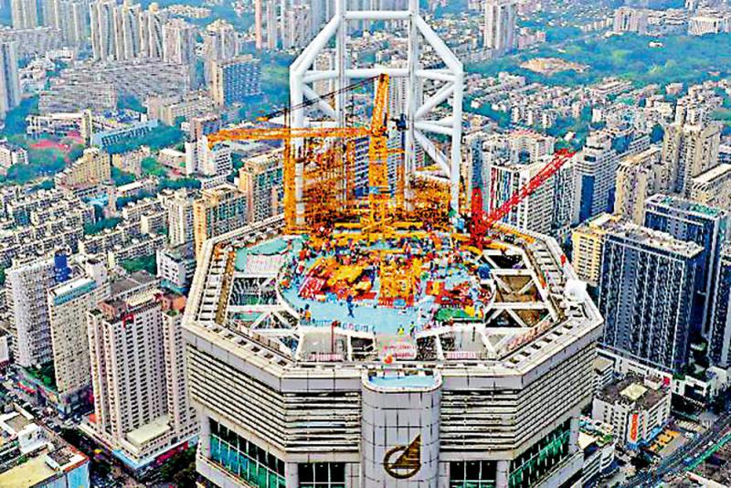 盛图注册:深圳赛格大厦拆桅杆解决振动(图1)
